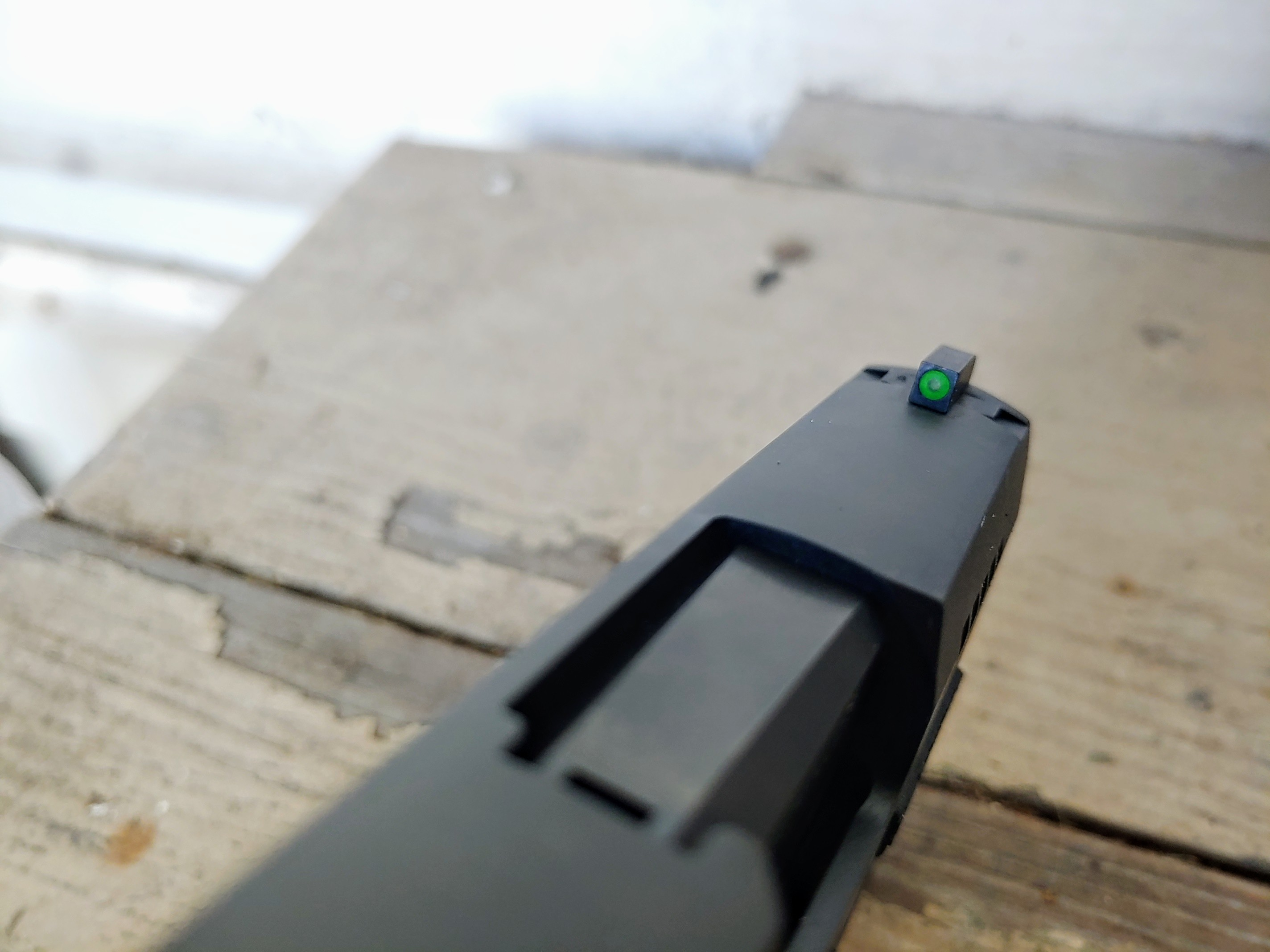 Sig P365 Front Sight is Dark Green